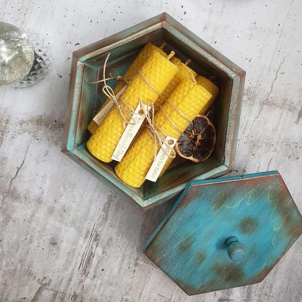 Drvena kutija i sveće
